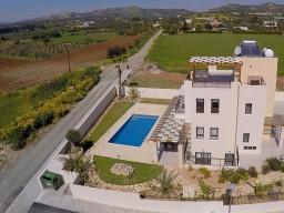 Четырехспальная вилла в Ларнаке, Agios Theodoros