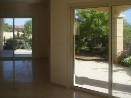 Вилла с 5 спальнями в Лимассоле, Agios Tychonas