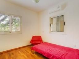 Вилла в Лимассоле с 3 спальнями, East Beach