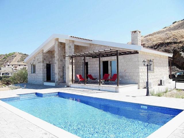 Вилла в Пафосе с 3 спальнями, Pomos