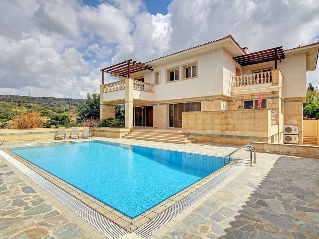 Вилла в Пафосе с 5 спальнями, Konia