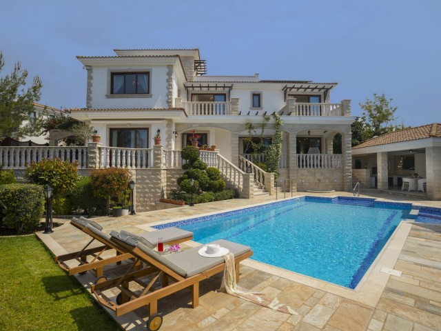 Вилла в Пафосе с 5 спальнями, Polis