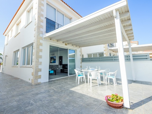 Вилла 3 спальни в Айя-Напе (Agia Thekla) - аренда