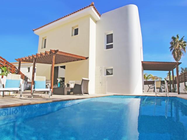 Аренда вилл на Кипре с 3-мя спальнями в Протарасе, Cavo Greco
