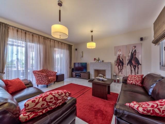 Вилла с 3 спальнями Лимассол, Agios Tychonas