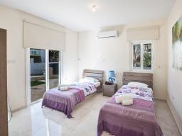 Вилла с 4 спальнями в Протарасe