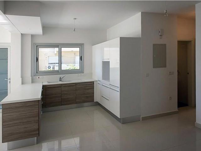 Апартаменты в Лимассоле с 2 спальнями