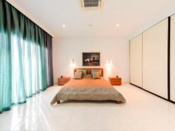 Роскошная 5 спальная вилла в Лимассоле, East Beach
