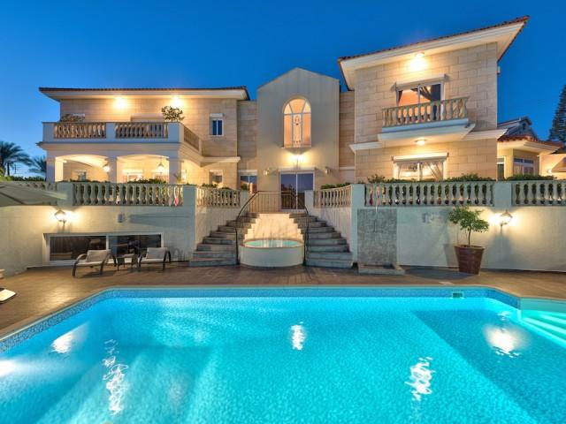 Роскошная вилла в Лимассоле с 5 спальнями, Agios Tychonas