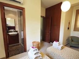 Вилла в Пафосе с 5 спальнями, Kouklia