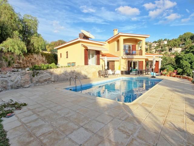 Вилла в Пафосе с 3 спальнями, Tala