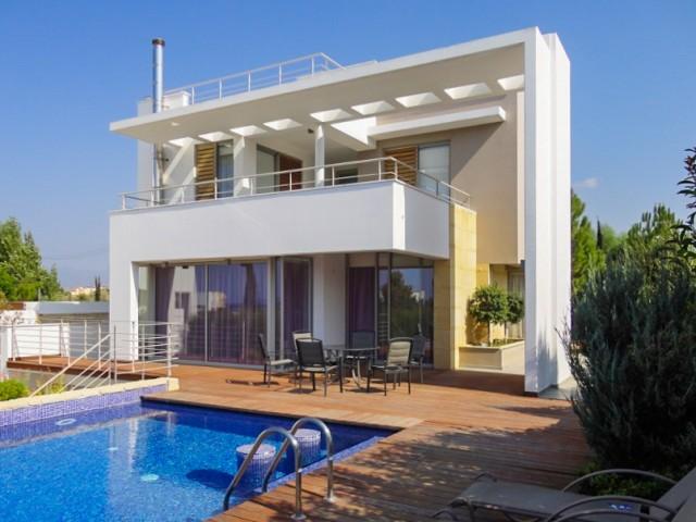 Вилла в Пафосе с 4 спальнями, Polis