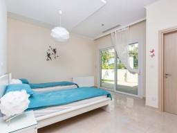 Вилла в Пафосе с 3 спальнями, Peyia